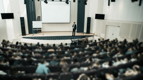 Sonorisation Conférence Ampithéatre - CGMEDIA